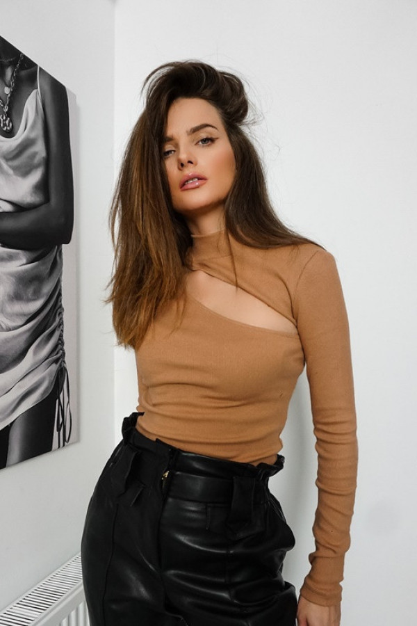 Bluzka ANDREA Karmel